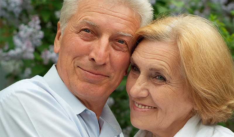 image of senior couple, blog maintaining good eye health as you age